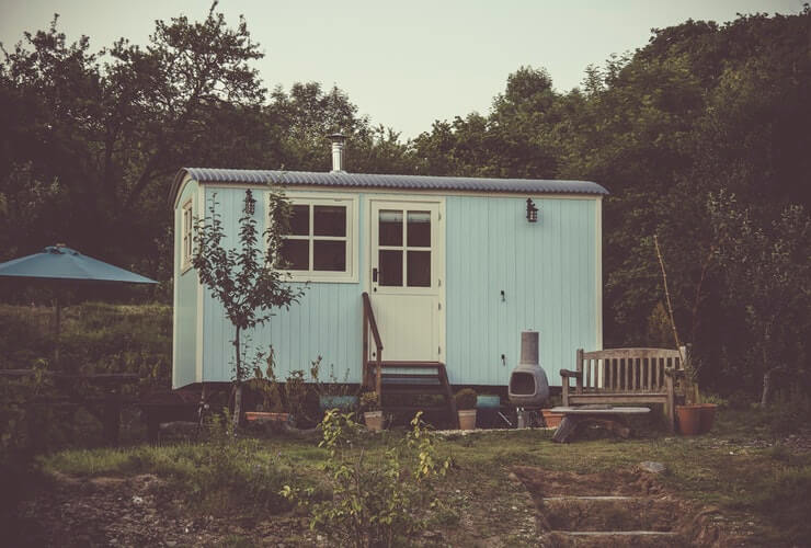tiny house movement less debt