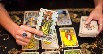 How To Read Tarot Cards (Beginner's Guide)></a><a href=