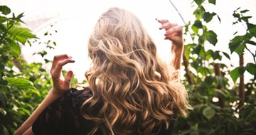 Girl's Guide: How To Choose The Best Hair Color For Your Skin Tone></a><a href=