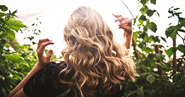 Should You Ditch Your Hair Products?></a><a href=
