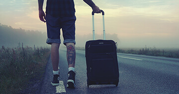 How To Save Money While Travelling></a><a href=