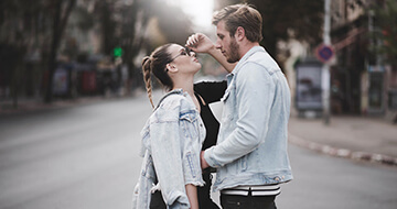 How To Make A Long-Distance Relationship Work></a><a href=