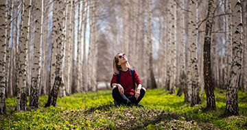 Forest Bathing: What It Is and Why You Need To Try It></a><a href=