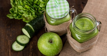 Should You Do A Juice Cleanse? (Full Body Detox)></a><a href=