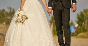 20 Ways To Save Money On Your Wedding Day (The Wedding Plan)></a><a href=