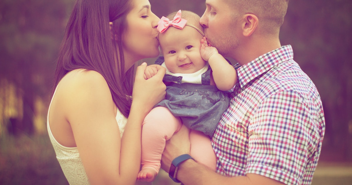 How To Keep Your Relationship Strong After Having A Baby></a></div><div class=