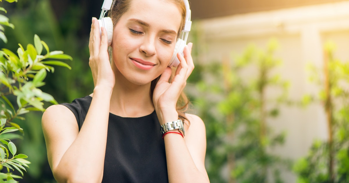 Top Health, Wellness & Fitness Podcasts To Get You Feeling Your Best></a></div><div class=